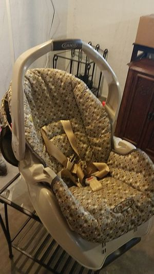 Car seat for newborn for Sale in Kenosha, WI