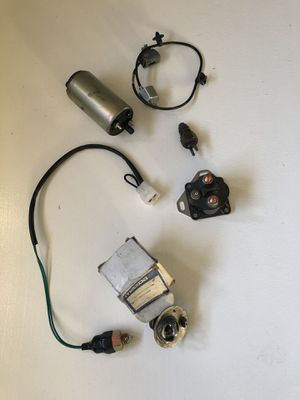 1992 Mazda 626 Thermostat, Knock sensor, neutral safety switch, thermal temperature control switch and fuel pump for Sale in Upland, CA