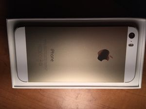 iPhone 5s 16 gig like new for Sale in Ayer, MA