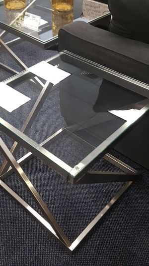 1 coffe table, 2 end tables for Sale in US