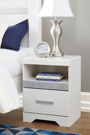 Ashley Furniture Queen Nightstand with USB Ports, White for Sale in Santa Ana, CA