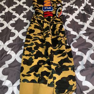 BAPE Hoodie Size Medium (runs big) for Sale in Suffield, CT