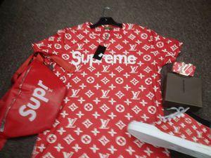 New Supreme set for Sale in Detroit, MI