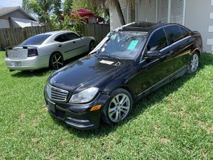 2013 Mercedes Benz c300 for parts !! for Sale in Homestead, FL