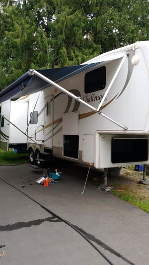 2007 Camper 29' fifth wheel Challenger by keystone for Sale in Snohomish, WA