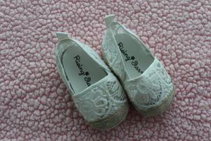 Baby girl shoes size 3-6 for Sale in Miami, FL