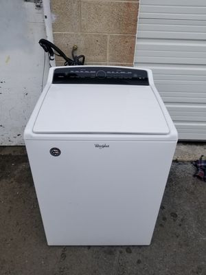 Whirlpool 4.8 Cf washer with touch controls, free delivery for Sale in West Valley City, UT