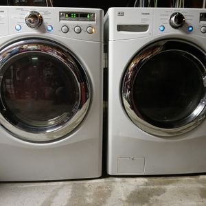 LG washer and dryer for Sale in Elmendorf, TX