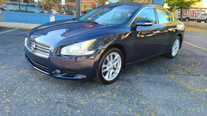 2010 nissan maxima 94k miles excellent condition good running car asking $7995.00 for Sale in Schaumburg, IL