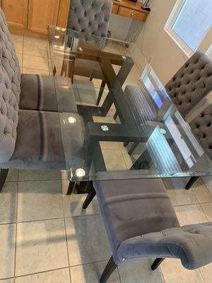 Elegant Dining Table for Sale in Chino, CA