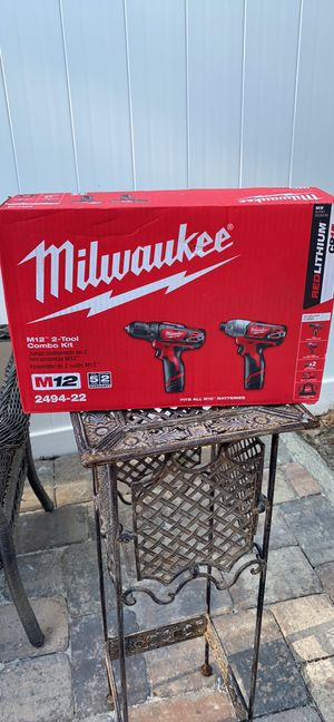 Milwaukee M12 12-Volt Lithium-Ion Cordless Hammer Drill/Impact Driver Combo Kit (2-Tool) W/(2) 1.5Ah Batteries, Charger & Bag for Sale in Orlando, FL