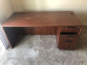 Free desk for Sale in Fresno, CA