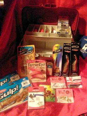 20 pc Saltwater Fishing Tackle box for Sale in Tampa, FL