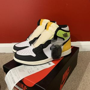 "Air Jordan 1 Retro ""Volt University"" Size 10.5 Brand New for Sale in College Park, MD"