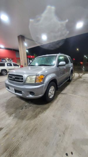 2OO4 Toyota Sequoia SR-5 Limited Edition tags O2-2O2O for Sale in Mansfield, TX