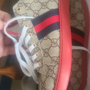 Gucci Shoes Sz 45 (11-12) for Sale in Chicago, IL