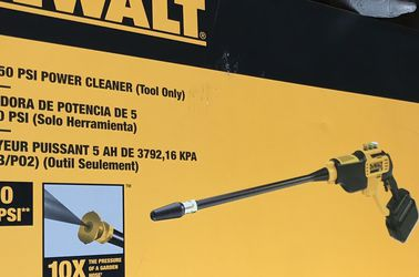 DEWALT Power Cleaner BATTERY OPERATED for Sale in Nellis Air Force Base,  NV