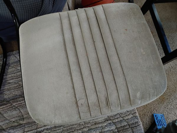 Free dining room chairs