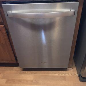 Whirlpool Dishwasher for Sale in Riverside, CA