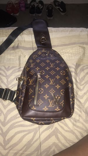 Louis Vuitton shoulder bag. (classic) for Sale in Decatur, GA