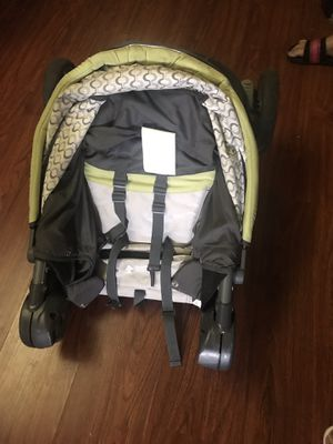 Helpful items for newborn and toddler for Sale in Baltimore, MD
