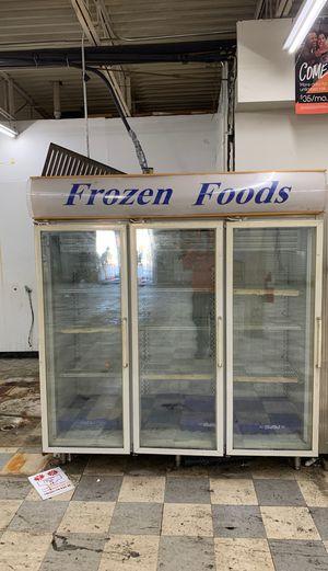 Frozen food freezer for Sale in Reynoldsburg, OH