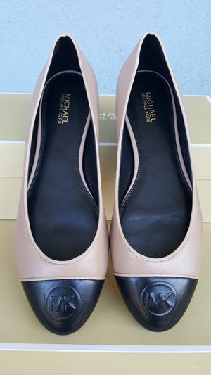 New Authentic Michael Kors Women's Shoes Sizes Available 7.5-9 for Sale in Montebello, CA