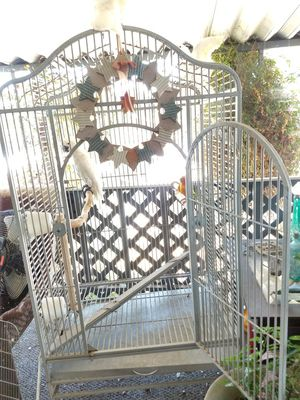 Large white bird cage like new on wheels top opens up for Sale in Lakeside, CA