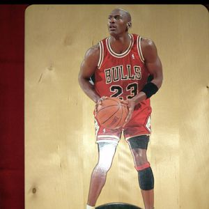 11 inches TALL MICHAEL JORDAN 1997 UPPER DECK for Sale in Wilmington, CA