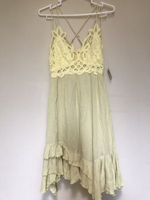 Free People Light yellow Dress size S for Sale in Alhambra, CA