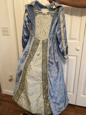 Child's royalty costume for Sale in Blountstown, FL