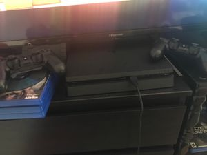 PS4 - 1 TB 2 controllers for Sale in San Diego, CA