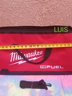 MILWAUKEE BAG PRECIO FIRME $20 for Sale in Bell Gardens,  CA