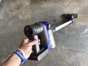 Dyson DC35 multi floor cordless vacuum (no power adapter) for Sale in Buffalo Grove, IL