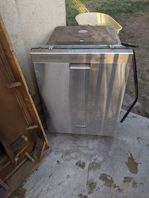 Free dishwasher for Sale in Highland, CA