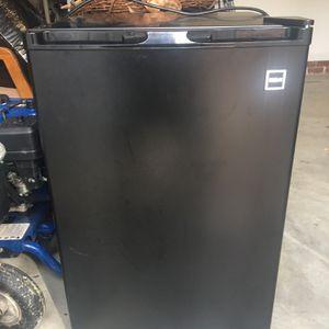 Mini refrigerator for Sale in Irmo, SC