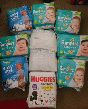 Pampers and Huggies for Sale in Cleveland, OH