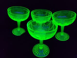 1930-1934 - Set of 4 Vintage Anchor Hocking Cameo Ballerina /Dancing Girl Goblets/Wine Glasses/Stemware for Sale in Mesa, AZ