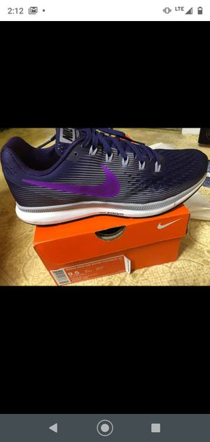 Nike shoes size 9.5 new for Sale in New Albany, IN