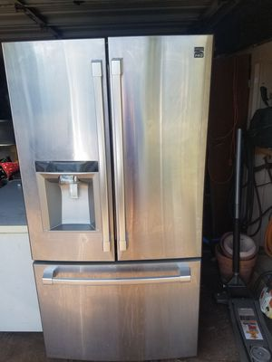 Not working Kenmore pro French door bottom freezer and magic chef deep freezer for Sale in Holiday, FL