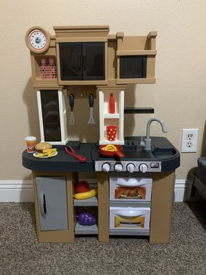 small toddler play kitchen for Sale in Fontana, CA