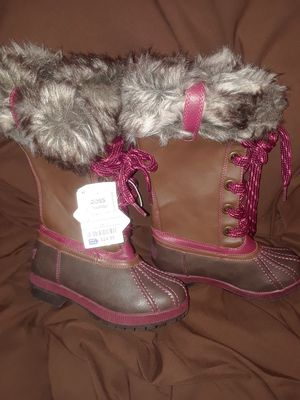 """""""LONDON FOG """" GIRL'S FUR BOOTS ( SIZE 13) for Sale in Fort Worth, TX"""