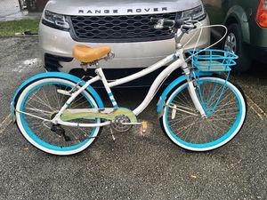 """Huffy 26"""" Cape Code Newbury 7-Speed Cruiser Bike, White/Blue $150 MIAMI for Sale in Miami, FL"""