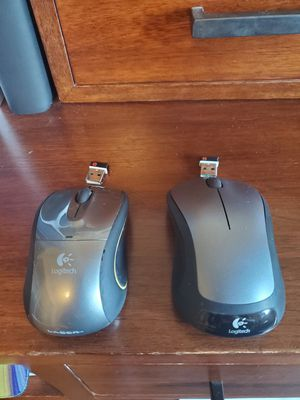 Two wireless Logitech Mouse for Sale in Los Angeles, CA