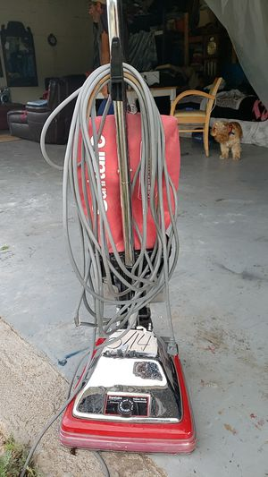 Sanitaire electrolux vaccum cleaner for Sale in San Angelo, TX
