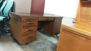 OFFICE/HOME DESK TRADITION DESK for Sale in Houston, TX