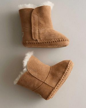Infant Uggs boots for Sale in Los Angeles, CA