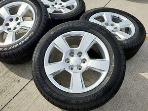"""Silverado 20"""" rims with tire for Sale in Miami, FL"""