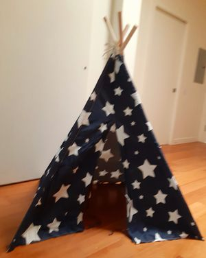 Dog teepee/house larger size for Sale in Salt Lake City, UT
