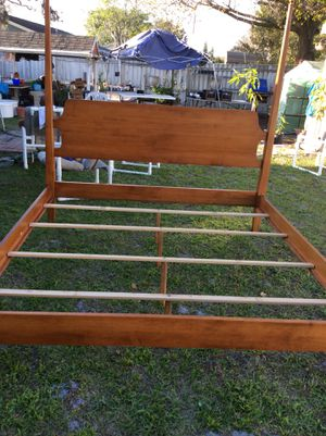 King size bed -woods solid x 250.00 obo for Sale in Kissimmee, FL